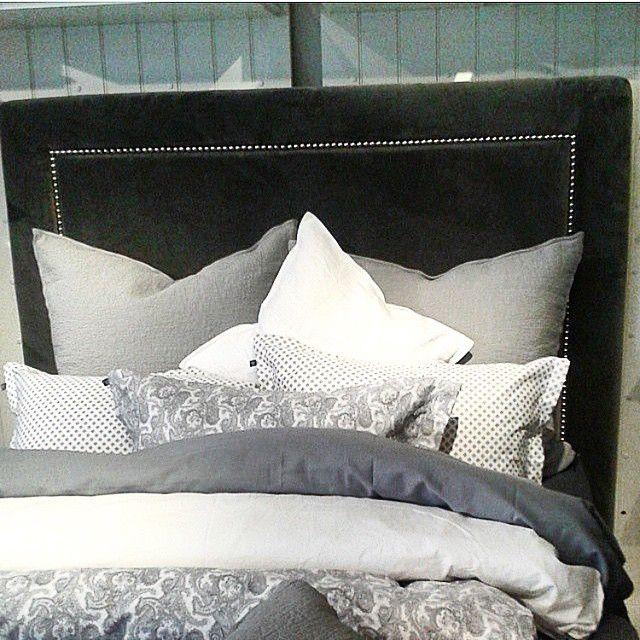 Vår nya sänggavel Hudson hososs2 #hososs2 #bodö #sänggavel #sovrum #sängar #nyheter #hudson #continentalsäng #nyatyger @hososs2