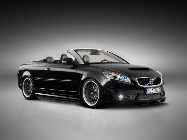 Voici le coupé-cabriolet de chez Volvo, la C70. Celle-ci adopte une teinte noire avec un toit argenté. Le châssis est surbaissé et les jantes proviennent d'un BMW X6 AC Schnitzer. Le pare-choc avant et les bas-de-caisses sont ceux d'une Mercedes-Benz...