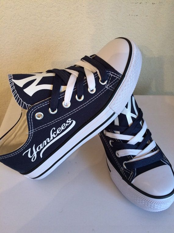 New york yankees unisex shoes please read description before purchase..