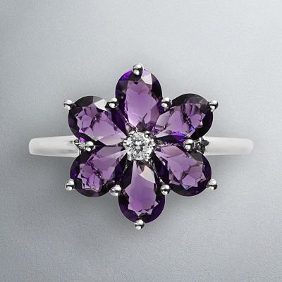 .Amethysts Flower Rings, Colors Purple, Vera Wang Jewelry, Amethysts Rings, Be A, Pretty Things, Things Purple, Purple Rings, Floral Rings