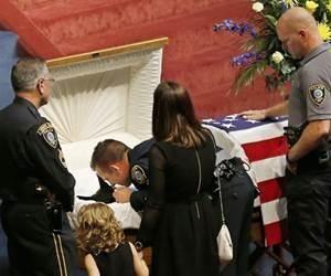 Cão da polícia é enterrado com honras após morrer em serviço | Umbuzeiro Online