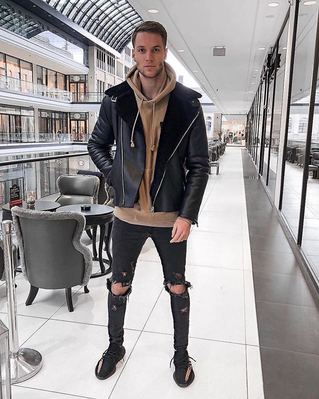 Style by @nilskretschmer_ Yes or no? Follow @mensfashion_guide for dope fashion posts! #mensguides #mensfashion_guide #mensoutfitsstreetwear