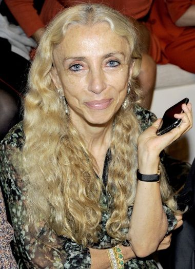 Vogue Editor Franca Sozzani Links Fashion Industry to Anorexia. Says Her Magazine Will Devote Issue to Healthy Women. She directly linked anorexia to the fashion industry's obsession with extremely thin models. The trend, she said, has devastating consequences.