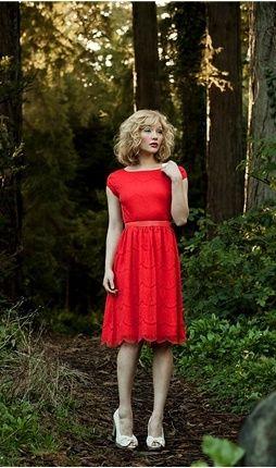 graduation.Queens Dresses, Pretty Dresses, Apples Red, Little Red, Bridesmaid Dresses, Tom Shoes, Shabby Apples, Red Queens, Red Lace Dresses