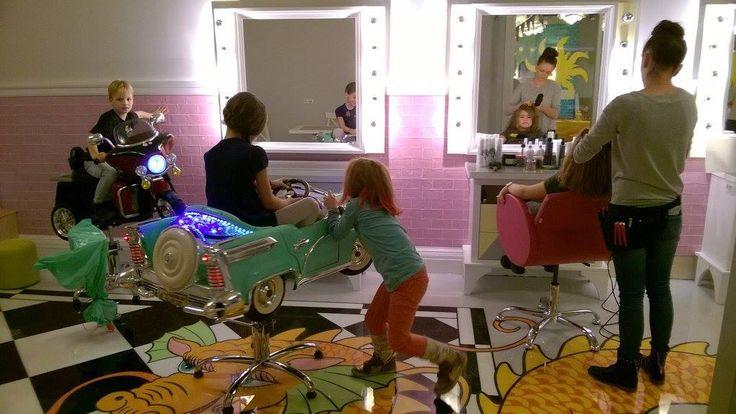 Hairdressing chairs, foteliki fryzjerskie dla dzieci