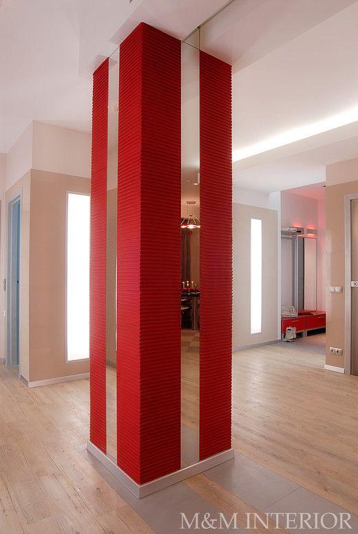 column decor with mirror
