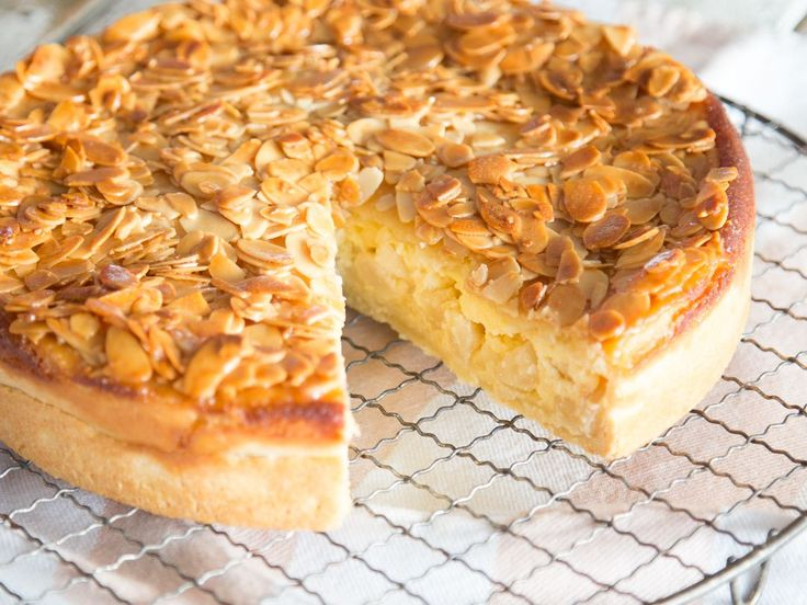 Bienenstich Apple Pie