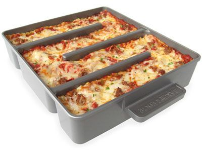 everyone loves the crispy edge of lasagna!: Idea, Baker Edge, Simple Lasagna, The Edge, Edge Lasagna, Kitchens Products, Random Stuff, Kitchens Gadgets, Lasagna Pan
