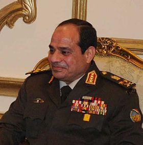 Abd al-Fattāḥ Saʿīd Ḥusayn Khalīl al-Sīsī  è un militare egiziano noto alla stampa più generalmente come Generale comandante in capo delle Forze armate egiziane dal 12 agosto 2012. e donne della sua famiglia sono tutte velate