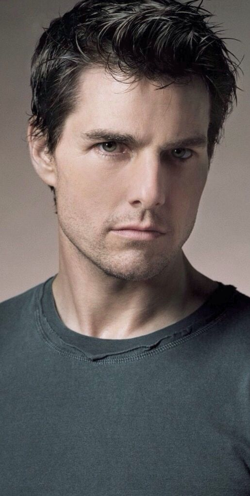 Tom Cruise ... I don't care what anyone says about him, he's a super talented actor and an handsome man
