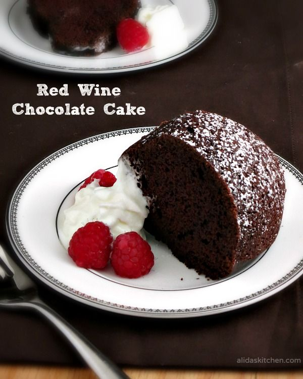Red Wine Chocolate Cake | alidaskitchen.com | #sundaysupper #dessert