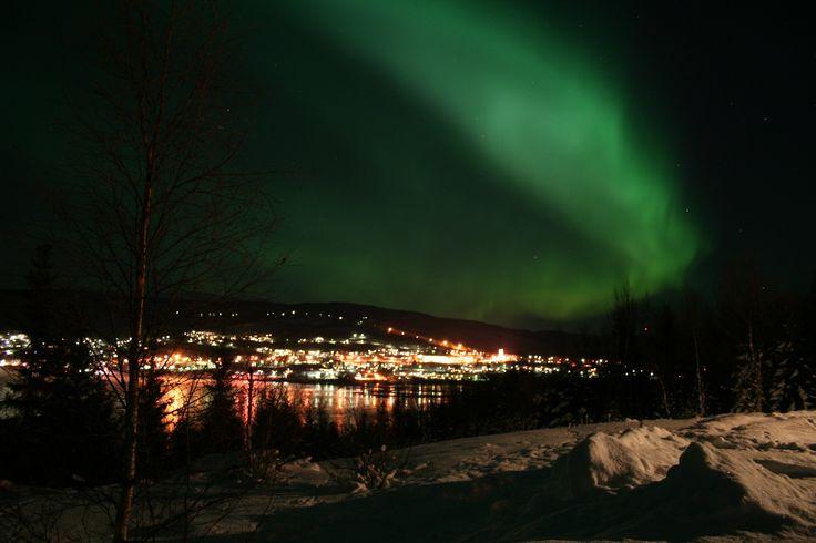 aurora borealis | File:Aurora Borealis Salangen2.jpg - Wikimedia Commons