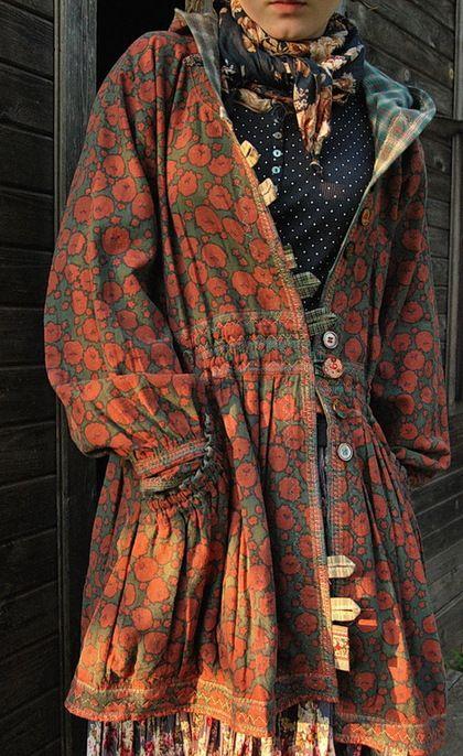 Купить или заказать ОДЕЖДА ДЛЯ СВОБОДНЫХ НАТУР в интернет-магазине на Ярмарке Мастеров. ГОТОВАЯ ВЕЩЬ КУРТКА ВЫШИТАЯ куртка из плотного вареного льна.Украшена кокосовыми пуговицами,швы оформлены вышивко…