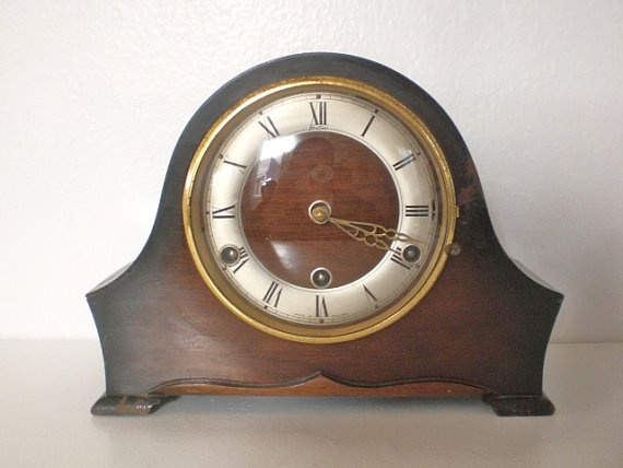 Cool vintage mantle clock