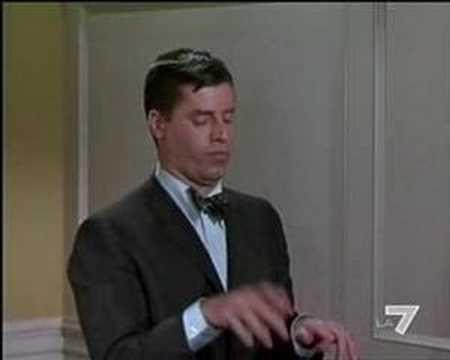 Jerry Lewis, La máquina de escribir.  Lio en los grandes almacenes