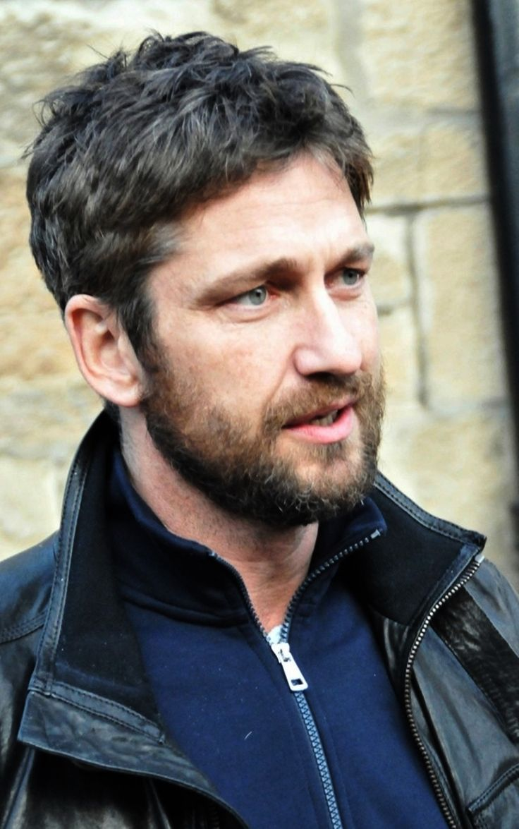 gerard butler 300 beard - photo #8