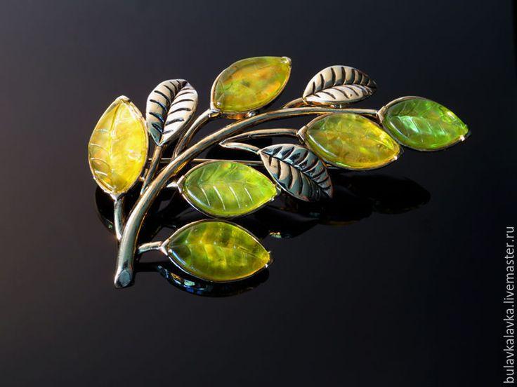 Купить Monet Винтажная брошь Веточка - зеленый, винтажные украшения, винтажные броши, винтажная бижутерия