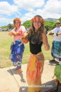Learn to hula! Read about our Hawaii Activities that included swimming with dolphins and hula lessons. #Hawaii #Hula