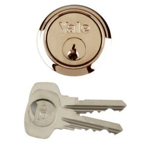 Yale Brass Plated Rim Cylinder Lock P1109PB Yale Brass Plated Rim Cylinder Lock.This rim cylinder lock features brass plated construction and is ideal as a replacement cylinder for doors 38mm to 57mm in thickness. (Barcode EAN=5010608110914) http://www.MightGet.com/april-2017-1/yale-brass-plated-rim-cylinder-lock-p1109pb.asp
