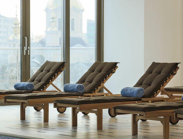 Zonele de relaxare oferă un spațiu în care predomină confortul și eleganța.