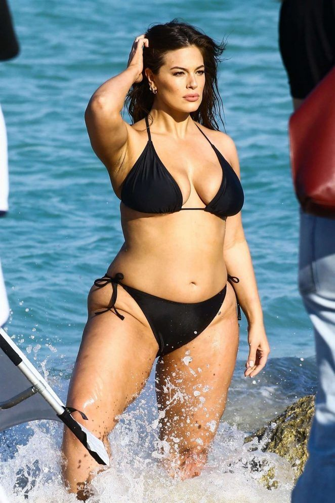 95f726f53dca7 ashley-graham-in-black-bikini-for-photoshoot-on-the-beach-in-miami -march-2018-13