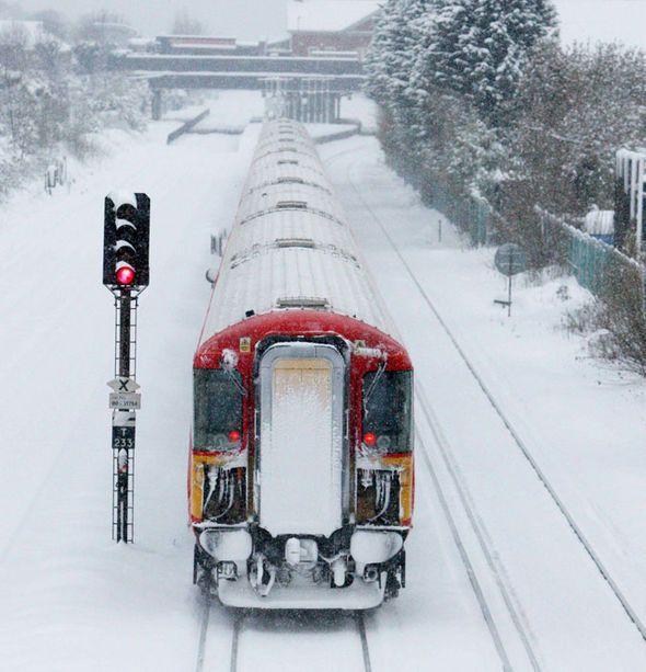 10-ott-15-snow-weather-chaos-UK-363271