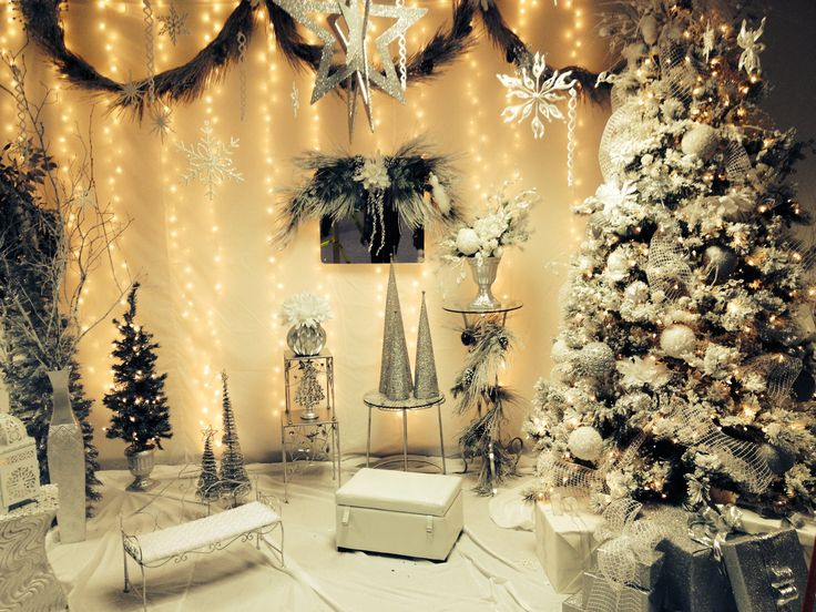 17 Best images about Gingie Elegant Christmas Beautiful, Love it and Plastic table cloths