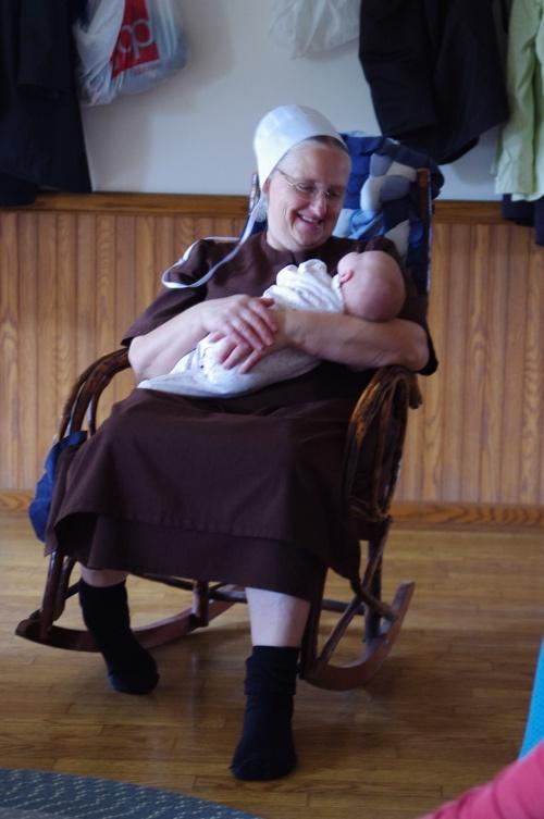 Amish Pregnancy and Birth Essay