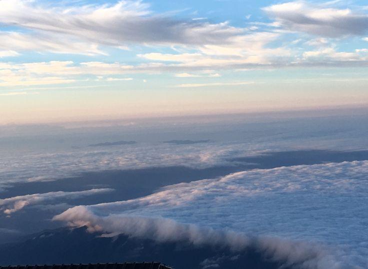 滝雲 富士山頂より     まるでナイアガラ
