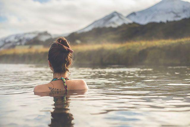 Недорогие термальные ванны в Рейкьявике, Исландия