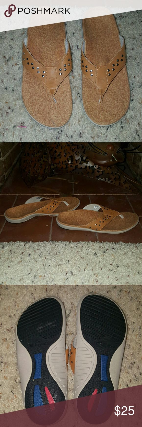 Spenco Total Support Flip Flops - Size 8W ? Size 8 WIDE Camel colored silver studded thong sandal.  ? Spenco footwear incorporates a deep heel cupping, orthotic arch support. Podiatrist recommended.    Brand new, never worn. Do not have the box.  Very comfortable. Speno Shoes Sandals