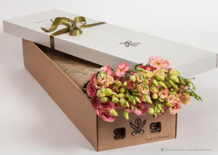 Эустома в подарочной коробке