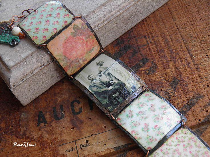 Bracelet bohème,vintage~On the road again~Enchaînement de pièces en cuivre patiné,chef Navajo et pionnier, imprimé fleuri vintage : Bracelet par rare-et-sens