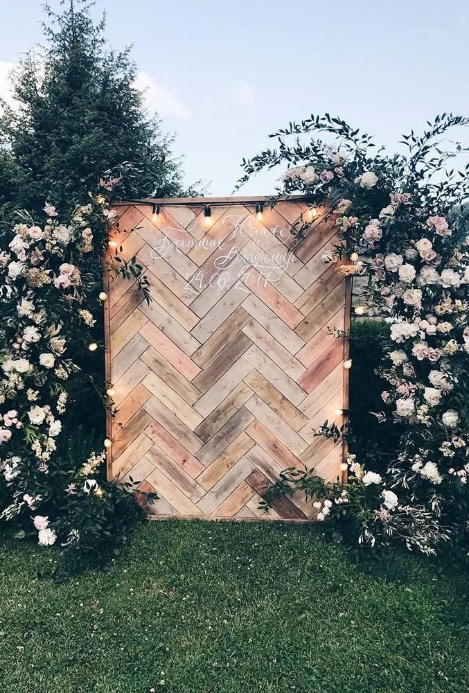 Turn on your imagination, almost everything can be a beautiful wedding backdrop. Browse our wedding backdrop ideas gallery, find perfect paper or floral decor ideas with different colors and textures for your wedding. You just need to focus on your wedding theme and you will get amazing wedding photos with these backgrounds! #wedding #bride #weddingforward #WeddingDecor #WeddingBackdrop