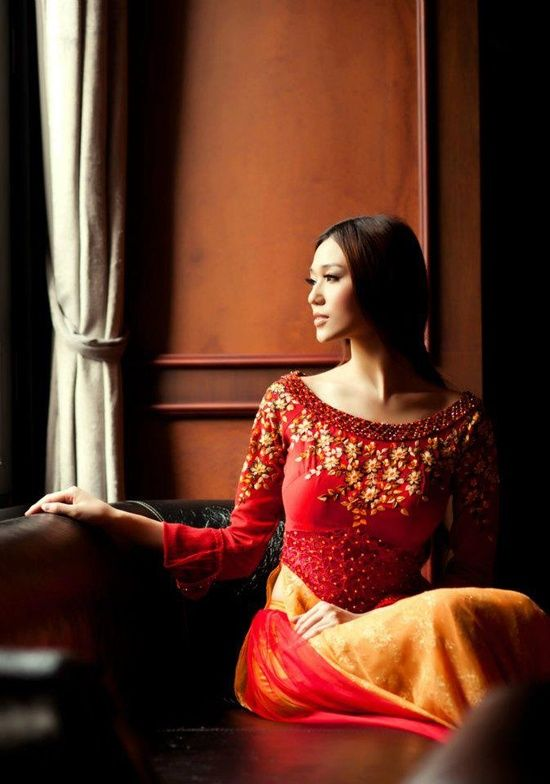 "Traditional Vietnamese Dress ""Ao Dai"" - | http://myvietnamstylesphotos.blogspot.com"
