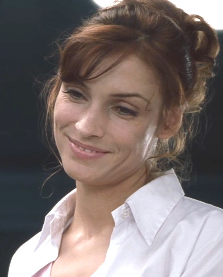 So adorable <3 Famke Janssen as Dr. Jean Grey - X-Men by Bryan Singer
