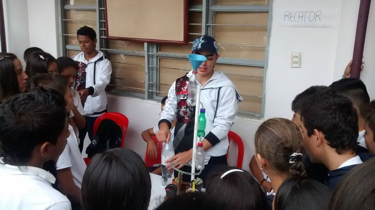 Feria de la Ciencia I.E.E.N.S. Octubre 2014