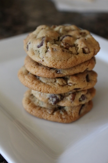 good old Nestle Tollhouse Chocolate Chip Cookie recipe: my favorite! (PS You can easily make it vegan by using an egg substitute and vegan butter/margarine!)