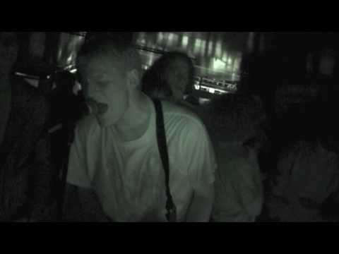 ▶ Die! Die! Die! - 'Franz' Live @ Good Luck 29/08/04 - YouTube