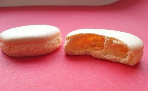 Eierplätzchen sind etwas ganz Besonderes für mich und meine Antwort auf Macarons. Ganz typische nordfriesische Kekse! Mehr Kindheitserinnerung geht bei mir fast gar nicht. Ich habe sie für meine Ta…