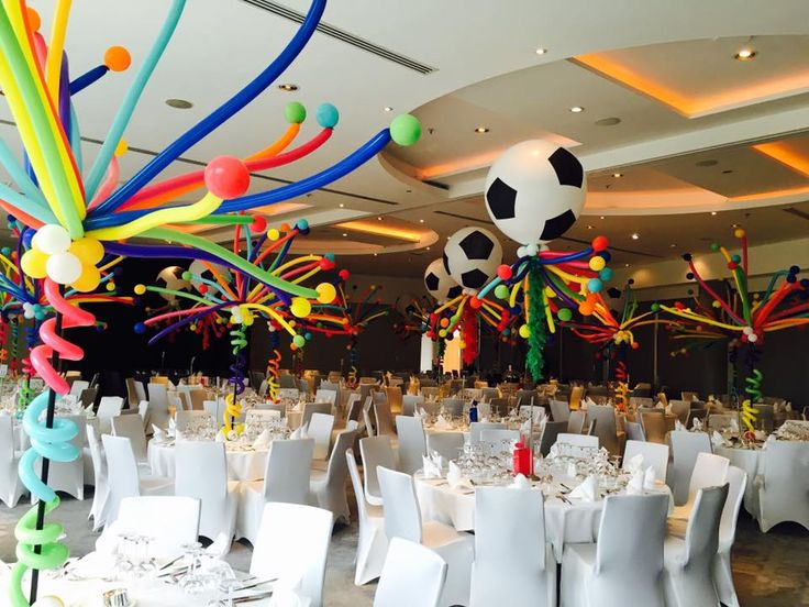 Balloon centrepieces at The Lowry Hotel, what a great way to add colour to an event!