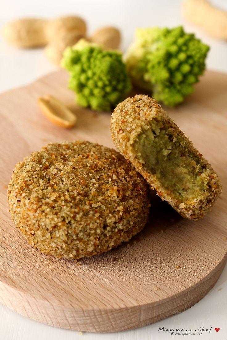 Le Polpettine di cavolfiore e semi di arachidi sono un finger food nutriente, gustoso e semplice da preparare. Senza uova. Vegan
