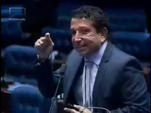 Magno Malta deseja prisão perpétua para pastor que abusou do filho de Bi...