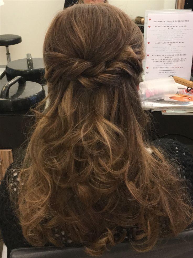 Curls , half opgestoken haar