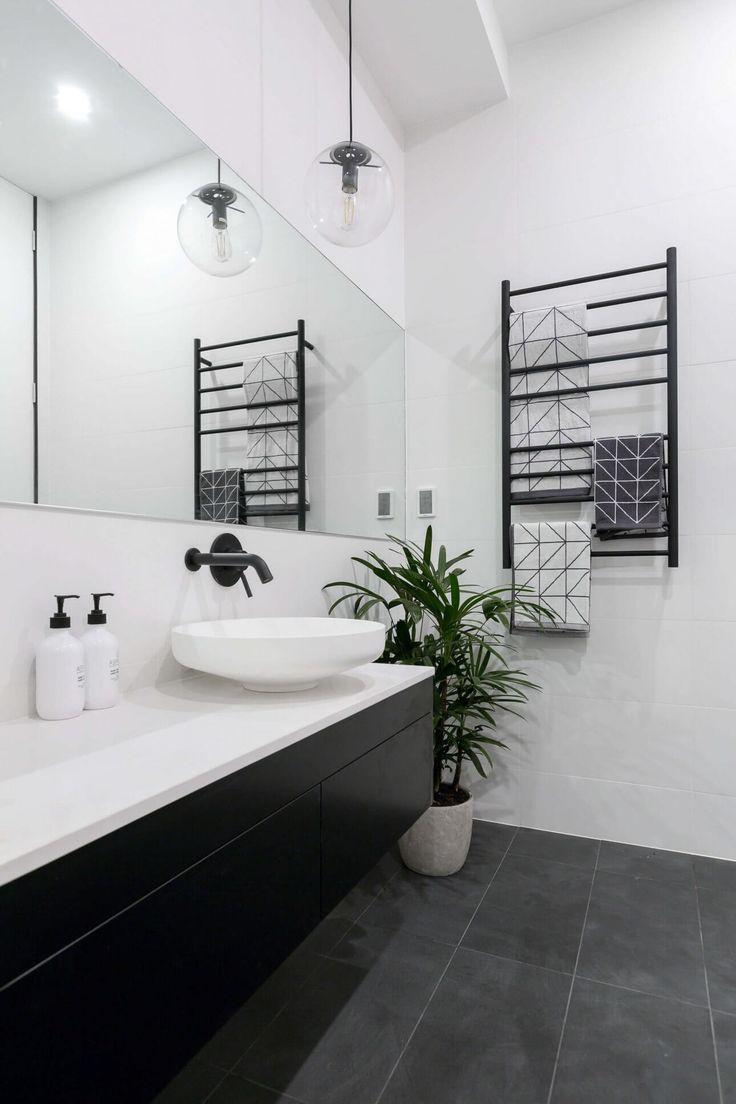 andy-ben-week-3-bathroom-2000x1333-15