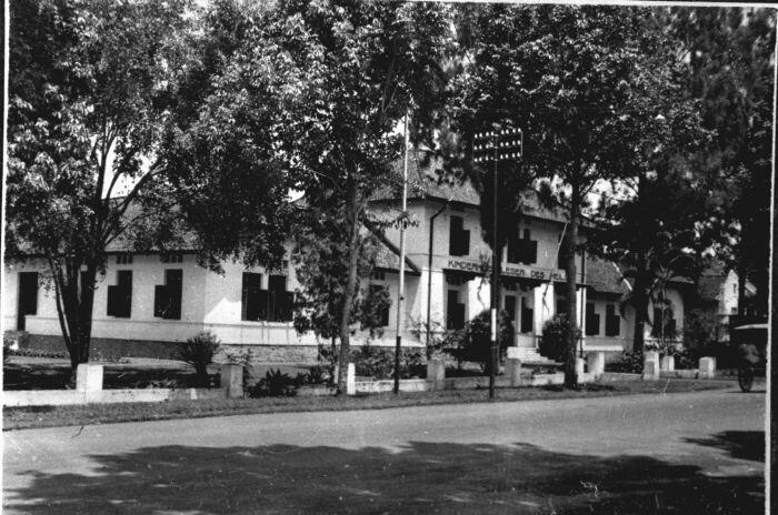 Kinderhuis van het Leger des Heils te Bandoeng 1920-1921.