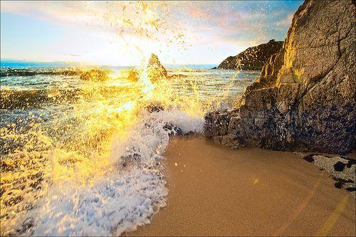 Golden Waves, Moss Beach, California photo via theworldwelivein