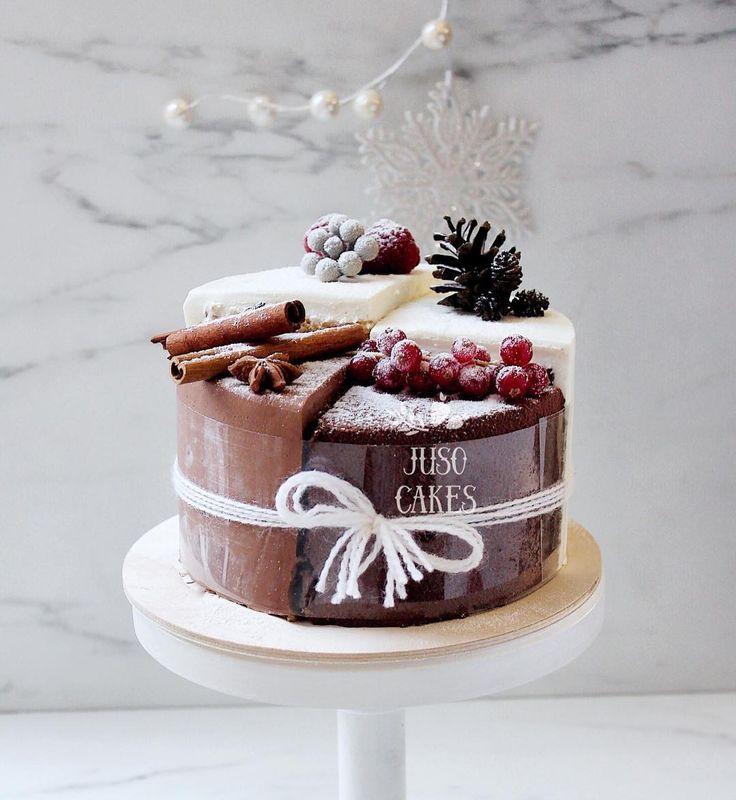 Бооооольше новогодних тортов, бооооольше этого великолепия в Вашу ленту!  Целых 4 торта, собранные в наборы атмосферных четвертинок с самыми новогодними вкусами: 1. Сочный шоколадный торт, внутри у которого желе из глинтвейна и апельсина, а снаружи нежный крим чиз. 2. Пряный имбирный бисквит с клюквенным конфитюром и бархатным шоколадным кремом. 3. Хрустящий ореховый тортик с прослойкой яблочно-коричного фламбе, укутанный кремом пломбир. 4. Ангельский медовый бисквит с воздушным о...