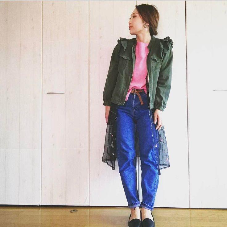 .  春らしくカラフルにコーディネート歩くと揺れるレースガウンをアウターの下に合わせてオシャレ上級者スタイルに  Photo by @aya0705   Top... #zara  Bottom... #ザラ  Shoes... #honeys  Outer... #selectmoca   MINE公式アプリではファッションを中心とした動画を毎日更新中 プロフィールリンクからDLできます   ハッシュタグ#mineby3mootdを付けたコーディネートを募集中紹介させていただくことも  #mineby3mootd #MINEBY3M #ootd #outfit #fashion #coordinate  #instafashion #beaustagrammer #fashionista #outfit #igfashion #カジュアルコーデ #コーディネート探検隊 #お洒落さんと繋がりたい