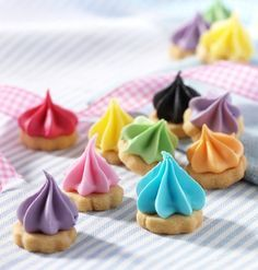 These bright biscuits are perfect for a party, or fill up a vase for a colourful centrepiece!